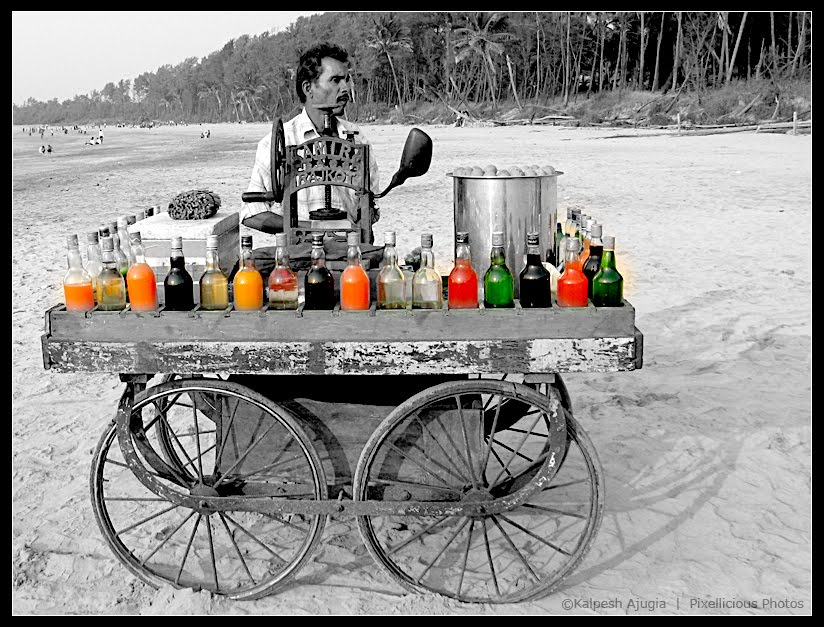 A gola vendor at Manori Beach