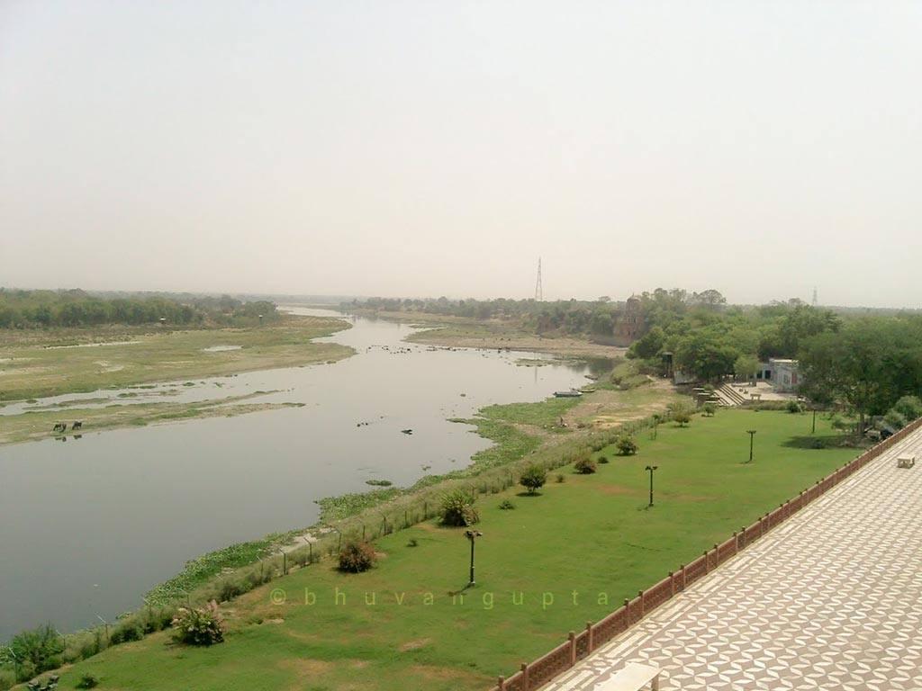 Yamuna River Near Taj Mahal